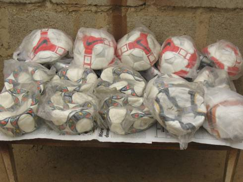 Soccer balls for Nigerian children