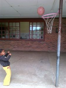 little kid with netball