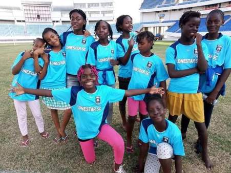 Angola girls football team 5.2019